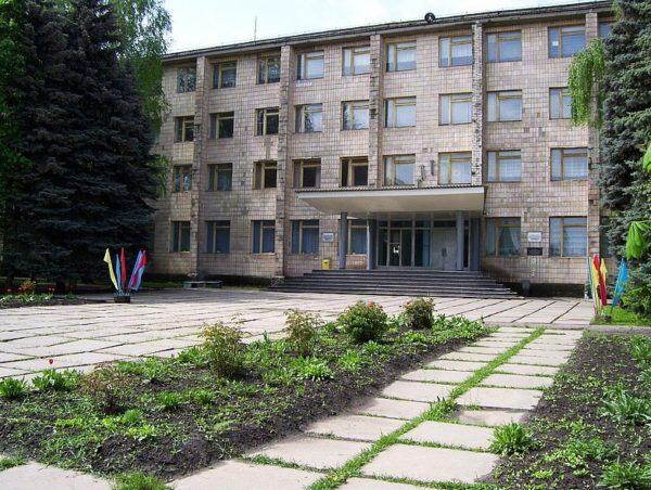 Славяносербский техникум принимает абитуриентов: жестокая правда о студентах Украины